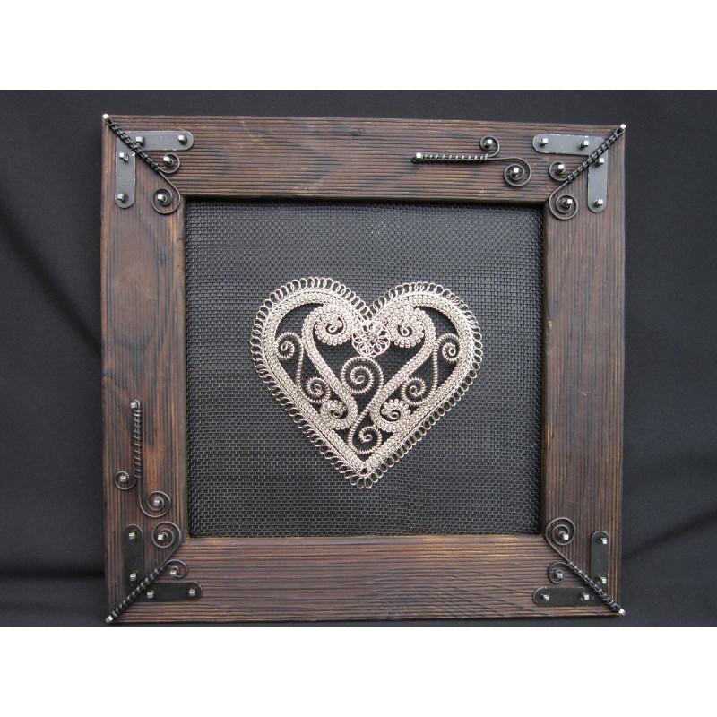 Srdce v drevenom ráme